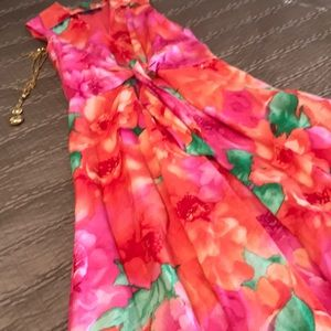 Jones NY dress, flowered with a full skirt, size 6